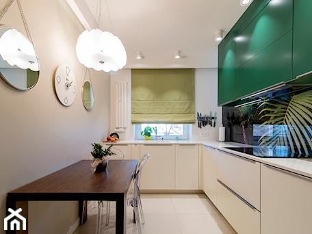 Aranżacje wnętrz - Kuchnia: Oryginalna kuchnia na wymiar w biało-zielonej kolorystyce - 3TOP KUCHNIE. Przeglądaj, dodawaj i zapisuj najlepsze zdjęcia, pomysły i inspiracje designerskie. W bazie mamy już prawie milion fotografii!