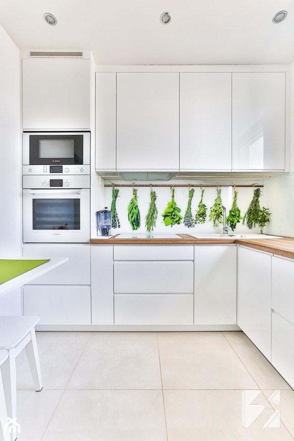 Kuchnia na wymiar z grafiką na szkle - zdjęcie od 3TOP KUCHNIE
