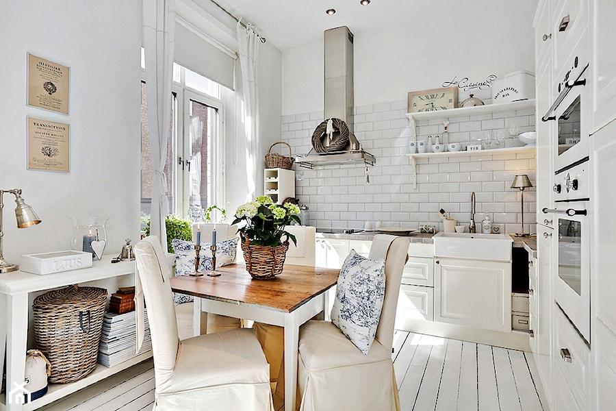 Mieszkanie pe ne bieli kuchnia styl skandynawski zdj cie od casa bianca Home sklep