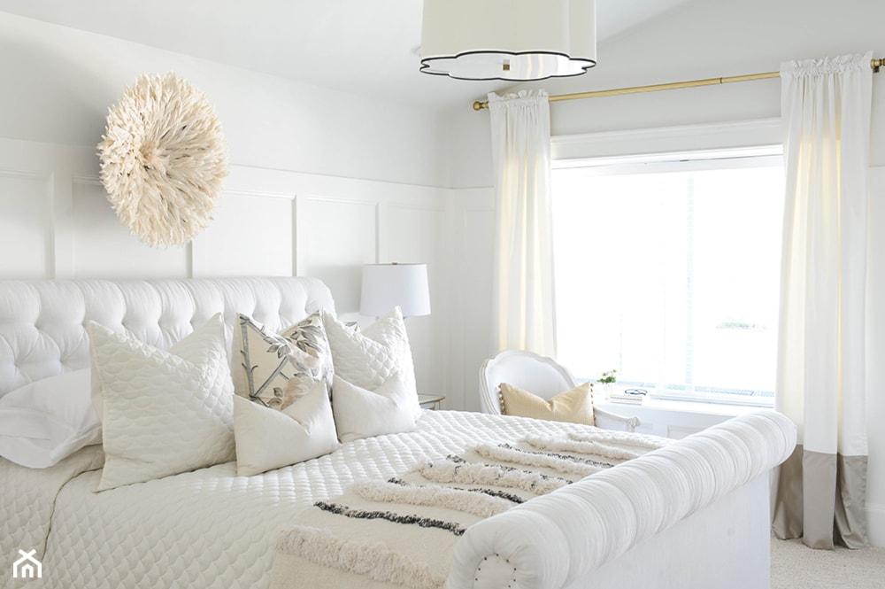 Biała sypialnia w stylu nowojorskim