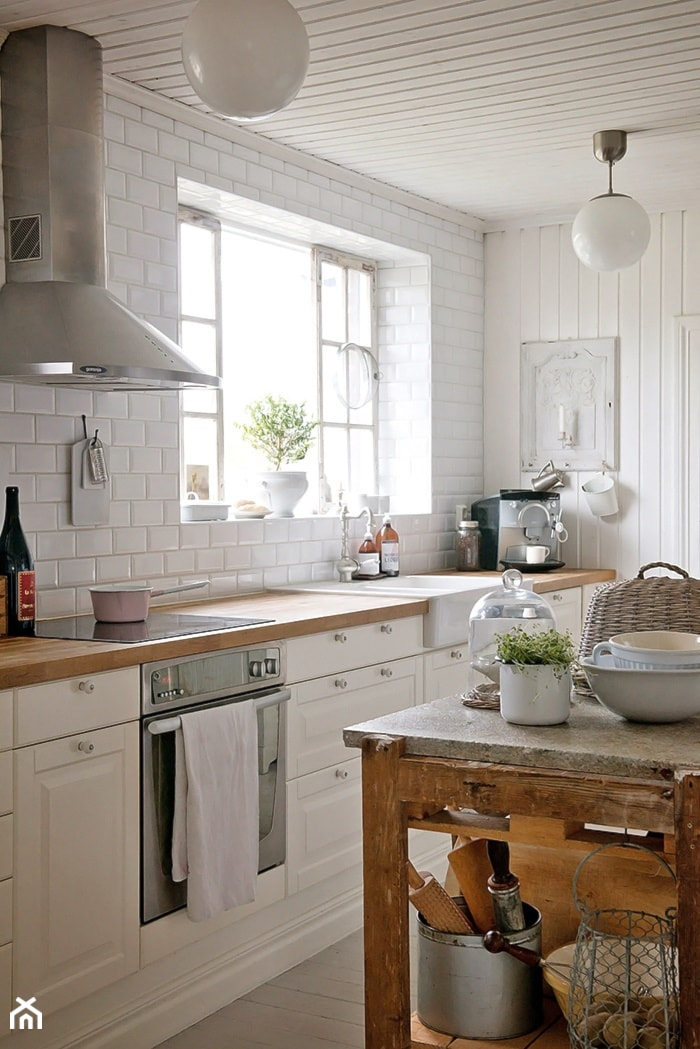 Dom w rustykalnym stylu  Średnia kuchnia jednorzędowa w aneksie z wyspą, sty   -> Kuchnia W Stylu Rustykalnym Inspiracje