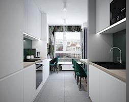 A/PK/6/18 - Średnia otwarta wąska szara zielona kuchnia dwurzędowa z oknem, styl nowoczesny - zdjęcie od Kaza_concept