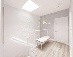 Kobiecy dom pod Warszawą - Mały biały szary hol / przedpokój, styl skandynawski - zdjęcie od Krystyna Regulska Architektura Wnętrz - Homebook