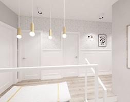 Kobiecy dom pod Warszawą - Średni biały szary hol / przedpokój, styl skandynawski - zdjęcie od Krystyna Regulska Architektura Wnętrz - Homebook