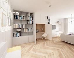 Skandynawski Vintage w Wilanowie - Duży szary biały kolorowy salon z bibiloteczką, styl skandynawski - zdjęcie od Krystyna Regulska Architektura Wnętrz