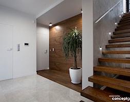 Przedpokój i schody - zdjęcie od Conceptgroup