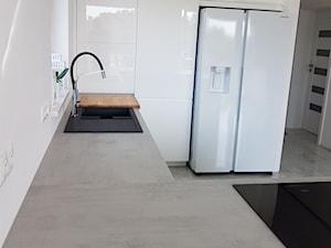 Kuchnia nowoczesna biały lakier wysoki połysk