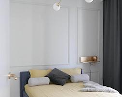Pastelowe+mieszkanie+z+mocnym+granatowym+akcentem+-+zdj%C4%99cie+od+Archomega+Biuro+Architektoniczne