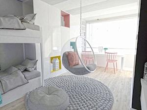 flaming - Średni szary pokój dziecka dla dziewczynki dla rodzeństwa dla malucha, styl nowoczesny - zdjęcie od Karolina Czapla