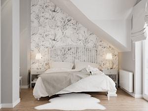 Projekt wnętrz domu jednorodzinnego w Krakowie - Średnia szara sypialnia małżeńska na poddaszu, styl skandynawski - zdjęcie od PRØJEKTYW | Architektura Wnętrz & Design