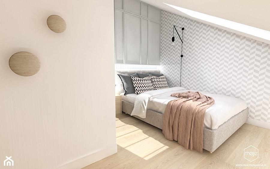Sypialnia i pokój dziecka na poddaszu - wersja 1 - Średnia biała szara sypialnia małżeńska na poddaszu, styl skandynawski - zdjęcie od MOJE Pracownia Projektowa