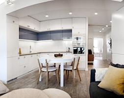 Śliwkowa - Średnia otwarta kuchnia w kształcie litery l w aneksie, styl skandynawski - zdjęcie od goryjewska.górnisiewicz