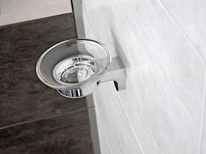 Na umywalkę i pod prysznic – praktyczne mydelniczki dla Twojej łazienki