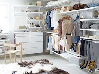 Otwarta garderoba w sypialni – wnętrzarski hit czy sposób na poprawę funkcjonalności mieszkania?