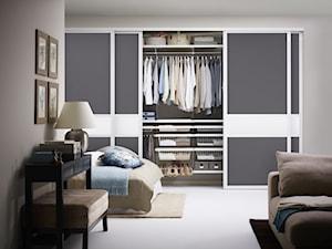 Sypialnia - Mała otwarta garderoba przy sypialni - zdjęcie od Elfa