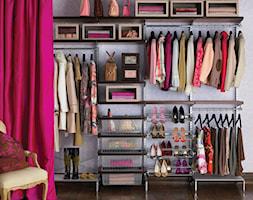Garderoba - Średnia otwarta garderoba przy sypialni, styl vintage - zdjęcie od Elfa