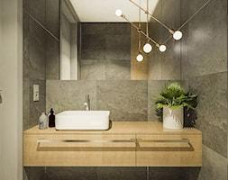 Dom w stylu nowoczesnym w Mielcu. - Mała czarna łazienka w bloku w domu jednorodzinnym bez okna, st ... - zdjęcie od MEEKO Architekci - Homebook