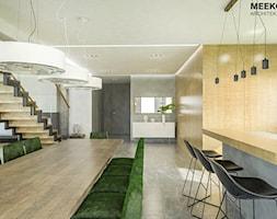 Dom w stylu nowoczesnym w Mielcu. - Jadalnia, styl nowoczesny - zdjęcie od MEEKO Architekci - Homebook