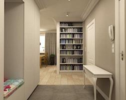 APARTAMENT NA GOCŁAWIU 120 m2 - Mały szary hol / przedpokój, styl klasyczny - zdjęcie od design me too