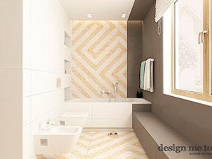 SKANDYNAWSKI DOM W WAWRZE - Średnia biała beżowa brązowa łazienka w domu jednorodzinnym z oknem, styl skandynawski - zdjęcie od design me too