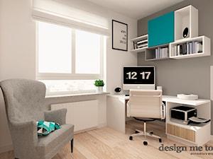 SZCZYPTA KOLORU NA SZCZĘŚLIWICACH - Małe szare białe biuro kącik do pracy w pokoju, styl nowoczesny - zdjęcie od design me too