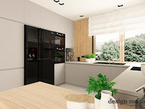 SKANDYNAWSKI DOM W WAWRZE - Średnia biała kuchnia w kształcie litery g z oknem, styl skandynawski - zdjęcie od design me too