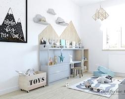 POKOIK MAŁEGO DŻENTELMENA - Średni biały szary pokój dziecka dla chłopca dla malucha, styl skandyna ... - zdjęcie od design me too - Homebook
