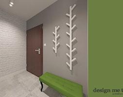 NOWOCZESNE MIĘDZYZDROJE - Średni biały szary zielony hol / przedpokój, styl nowoczesny - zdjęcie od design me too