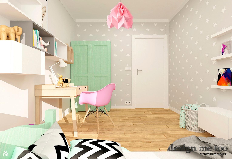 NOWOCZESNE BEMOWO - Średni szary pokój dziecka dla dziewczynki dla ucznia dla malucha, styl skandynawski - zdjęcie od design me too - Homebook