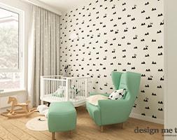 POKOJE DZIECIĘCE W STYLU SKANDYNAWSKIM - Średni szary pokój dziecka dla chłopca dla dziewczynki dla niemowlaka, styl skandynawski - zdjęcie od design me too