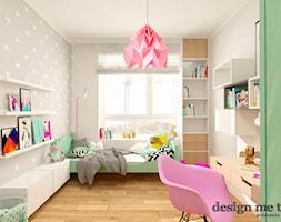 NOWOCZESNE BEMOWO - Średni pokój dziecka dla dziewczynki dla malucha, styl skandynawski - zdjęcie od design me too