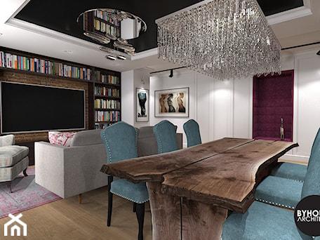 Aranżacje wnętrz - Salon: kolorLOVE - Duży biały salon z bibiloteczką z jadalnią, styl eklektyczny - BYHOUSE ARCHITECTS. Przeglądaj, dodawaj i zapisuj najlepsze zdjęcia, pomysły i inspiracje designerskie. W bazie mamy już prawie milion fotografii!