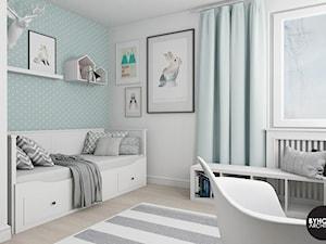scandiHOUSE - Średni biały pastelowy miętowy pokój dziecka dla chłopca dla dziewczynki dla nastolatka, styl skandynawski - zdjęcie od BYHOUSE ARCHITECTS