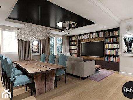 Aranżacje wnętrz - Salon: kolorLOVE - Mały biały beżowy salon z bibiloteczką z jadalnią, styl eklektyczny - BYHOUSE ARCHITECTS. Przeglądaj, dodawaj i zapisuj najlepsze zdjęcia, pomysły i inspiracje designerskie. W bazie mamy już prawie milion fotografii!