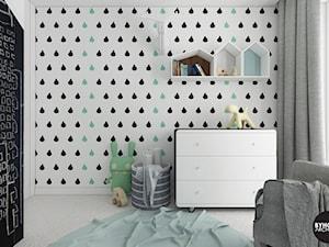 scandiBABYroom - Mały biały czarny pokój dziecka dla chłopca dla dziewczynki dla malucha dla nastolatka, styl skandynawski - zdjęcie od BYHOUSE ARCHITECTS