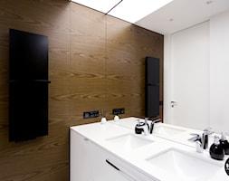 łazienka nowoczesna - zdjęcie od BYHOUSE ARCHITECTS - Homebook