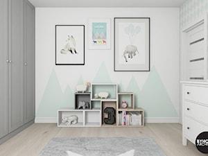 scandiHOUSE - Średni biały pastelowy miętowy pokój dziecka dla dziewczynki dla malucha, styl skandynawski - zdjęcie od BYHOUSE ARCHITECTS
