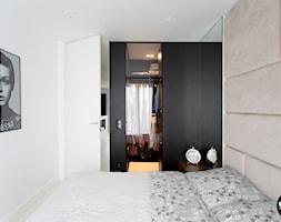 sypialni anowoczesna - zdjęcie od BYHOUSE ARCHITECTS - Homebook