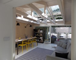 konkurs - Średnia otwarta biała jadalnia w salonie, styl industrialny - zdjęcie od Warsztat Wnętrza