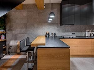 Meble do nowoczesnego domu - Duża otwarta szara kuchnia w kształcie litery l w aneksie, styl nowoczesny - zdjęcie od Zirador - Meble tworzone z pasją
