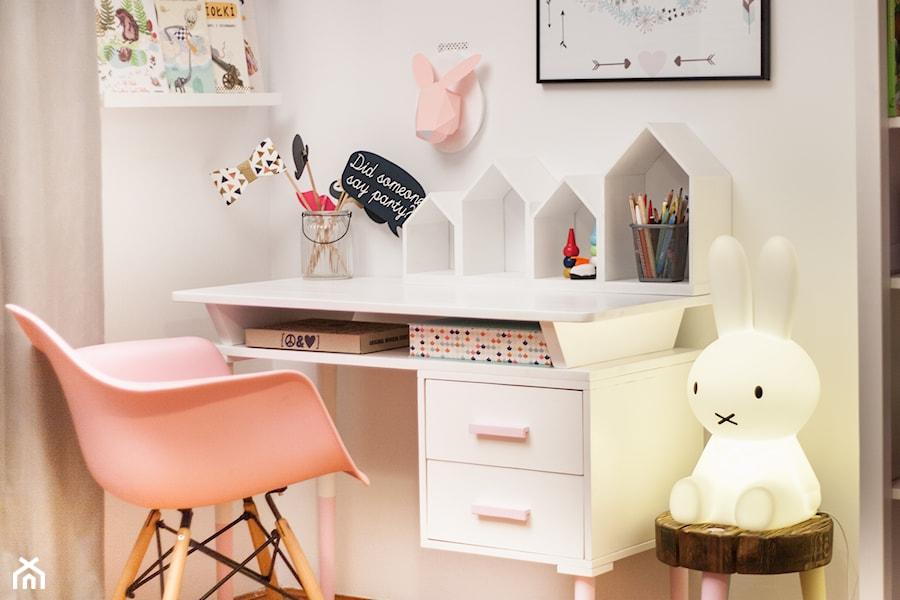 Biurko Do Pokoju Dziecięcego Półka Domek Zdjęcie Od