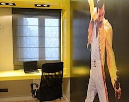 Małe żółte biuro kącik do pracy, styl nowoczesny - zdjęcie od DALMIKO DESIGN Pracownia Projektowa