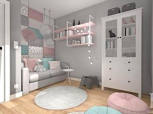 MIESZKANIE Z DREWNEM - Średni biały szary pastelowy pokój dziecka dla dziewczynki dla malucha, styl nowoczesny - zdjęcie od DALMIKO DESIGN Pracownia Projektowa