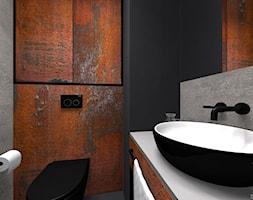 INDUSTRIALNE MIESZKANIE - Mała czarna szara kolorowa łazienka na poddaszu w bloku w domu jednorodzinnym bez okna, styl industrialny - zdjęcie od DALMIKO DESIGN Pracownia Projektowa