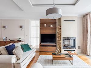 Apartament na Ursynowie - Duży biały salon, styl nowojorski - zdjęcie od ZAWICKA-ID Projektowanie wnętrz