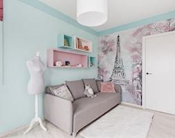 90 m2 po remoncie - Średni miętowy różowy niebieski pokój dziecka dla dziewczynki dla nastolatka, styl nowoczesny - zdjęcie od ZAWICKA-ID Projektowanie wnętrz