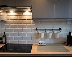 Mieszkanie w bloku - Mała średnia otwarta zamknięta kuchnia w kształcie litery l, styl skandynawski - zdjęcie od Patyna Projekt - Homebook