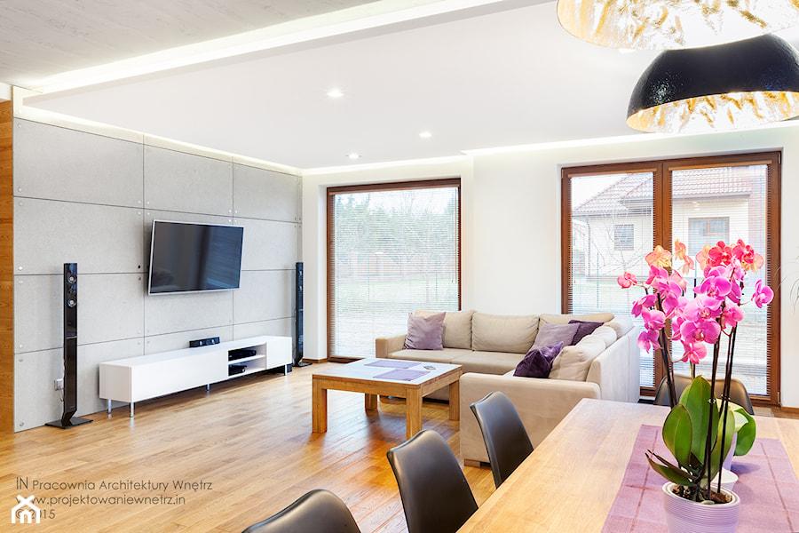 Beton Drewno I Biel średni Biały Salon Z Jadalnią Styl