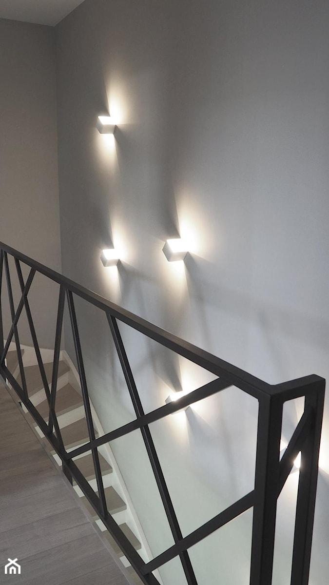 Oświetlenie Klatki Schodowej Zdjęcie Od Anna Maria