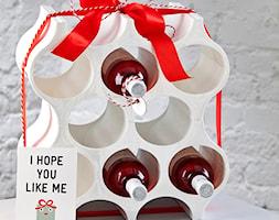 Stojak na butelki Koziol Set-up taupe - zdjęcie od SuperWnetrze.pl - Homebook